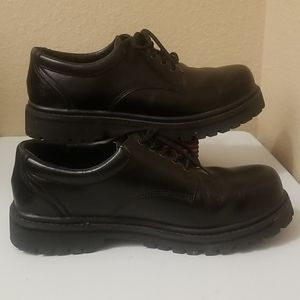 Mens Skechers Black Leather Soft Toe Oxfords